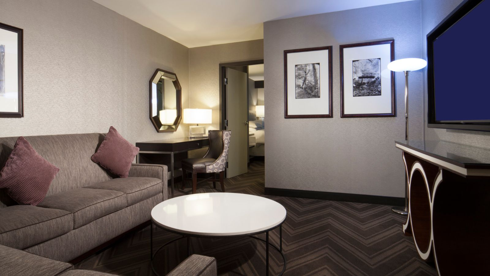 Deluxe King Guest Room | Sheraton Bucks County Hotel
