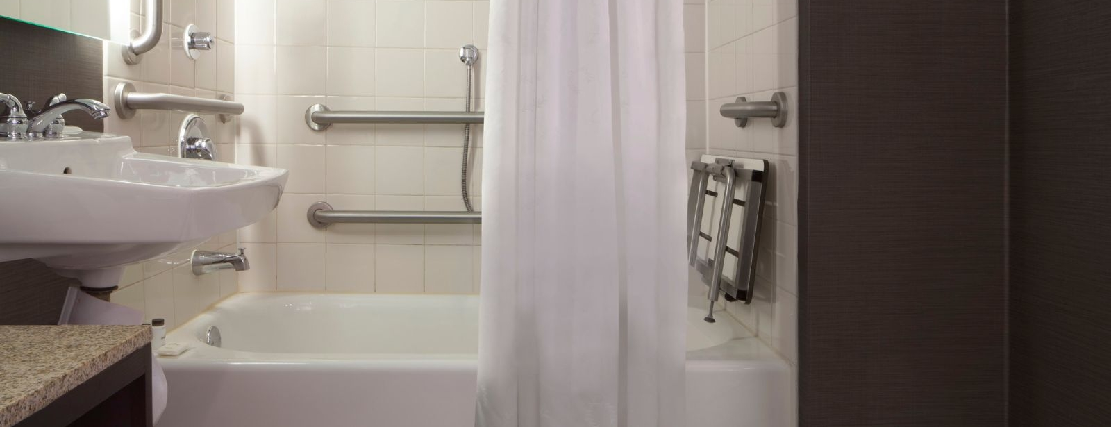 Accessible Guest Bathroom - Sheraton Bucks County Hotel